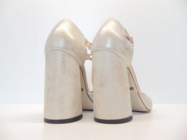 Carinii B4393-F76 czółenka sandały złote