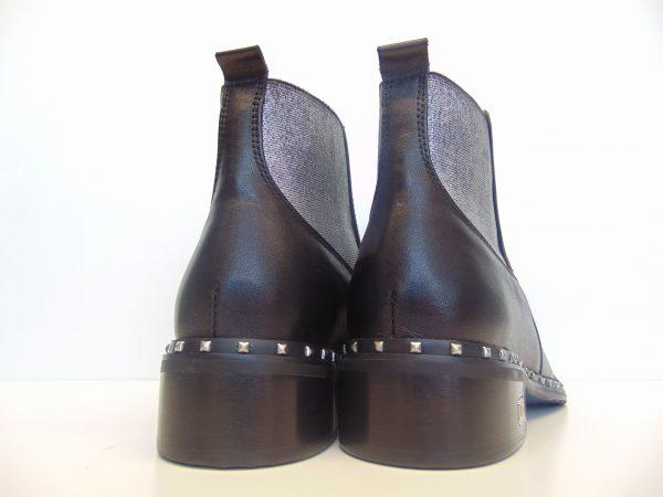 Botki sztyblety Carinii B4512-E50 czarne
