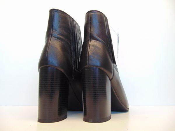 Monnari 0730-020 skórzane czarne botki sztyblety