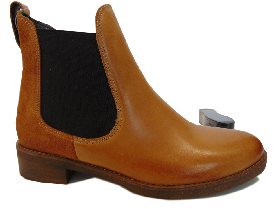 Buty damskie botki sztyblety na platformie na co dzień