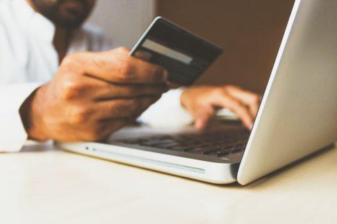 Sklep internetowy z obuwiem – zakupy na wyciągniecie ręki w dobie pandemii